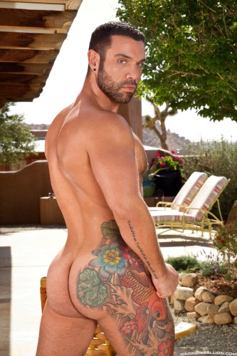 male-ass-naked-bodybuilder-muscle-butt (1)
