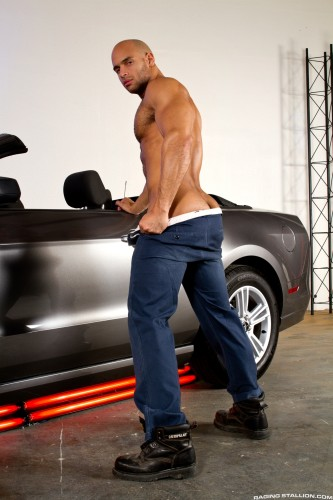 male-ass-naked-bodybuilder-muscle-butt (6)