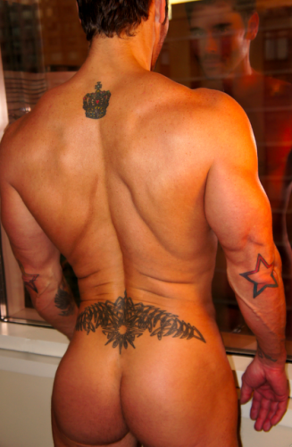 muscle-bodybuilder-butt-naked-ass-men (1)