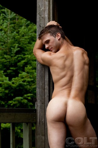 muscle-bodybuilder-butt-naked-ass-men (3)